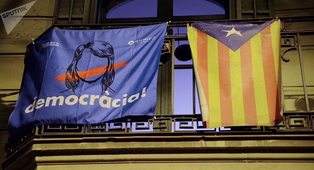 Gobierno español invitó a Puigdemont a dialogar con diputados y senadores