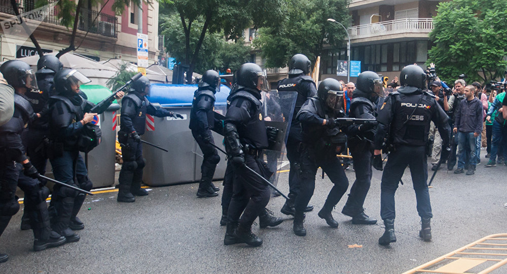 Policía de España durante el referéndum en Cataluña