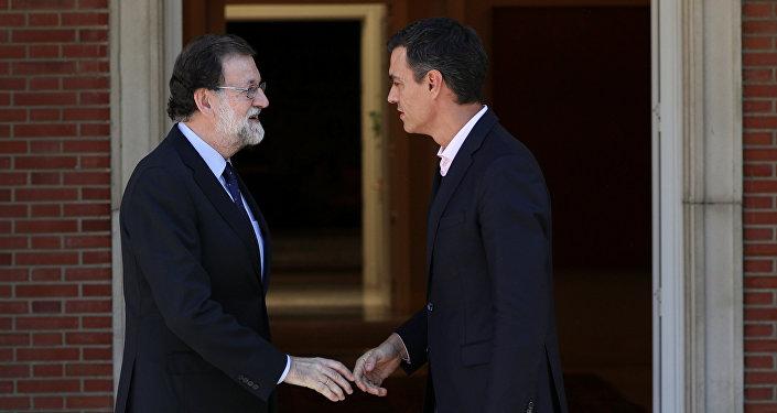 Mariano Rajoy, presidente de España, y Pedro Sánchez, secretario general del PSOE (archivo)