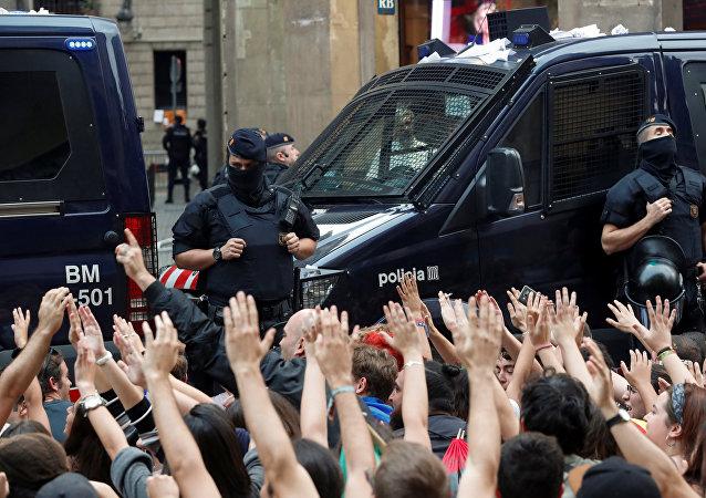 Manifestación contra la violencia policial en Cataluña, España