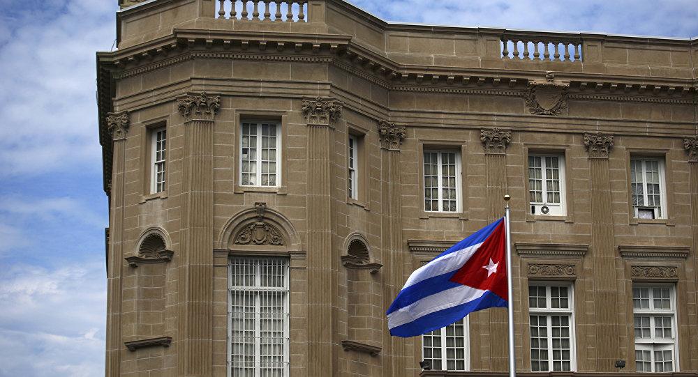 Estados Unidos expulsa a 15 diplomáticos cubanos por