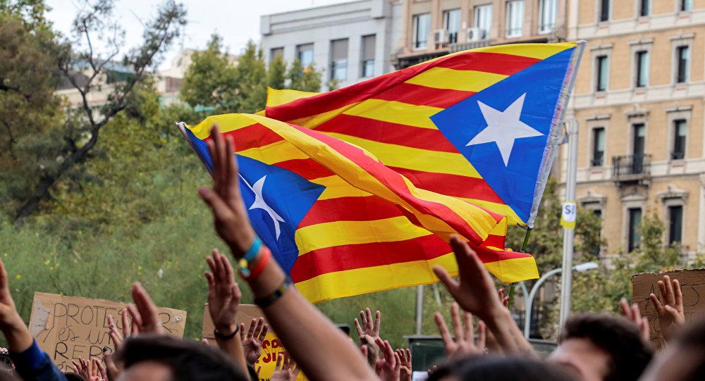 Protestas en contra de la violencia durante el referéndum catalán
