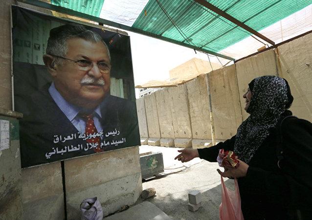El retrato de Yalal Talabani, líder kurdo y expresidente de Irak