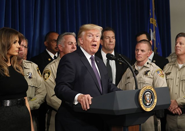 Donald Trump, presidente de EEUU con la Policía de Las Vegas, EEUU