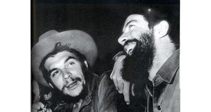 El Che Guevara y Camilo Cienfuegos
