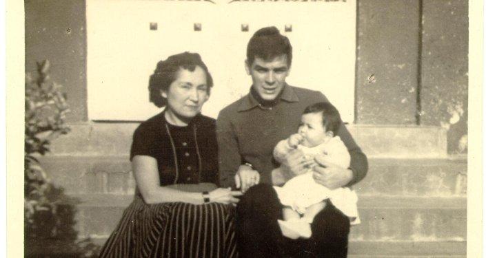 El Che Guevara con su hermana Hildita