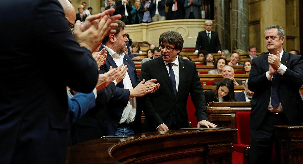 El presidente de Cataluña, Carles Puigdemont, en el Parlamento Catalán