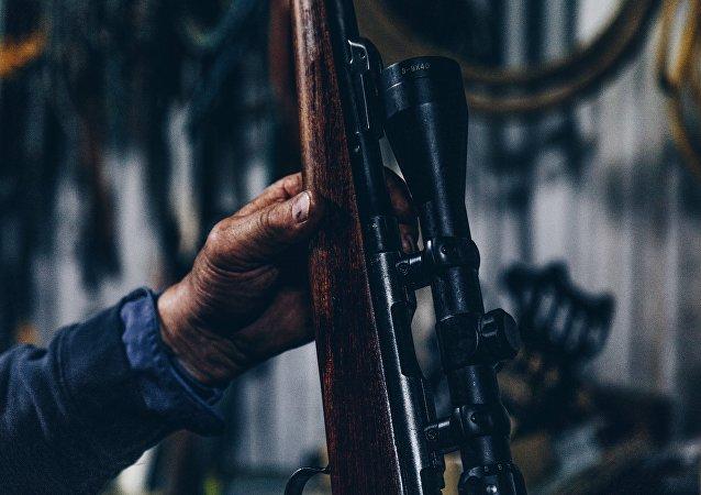 Un hombre con una escopeta (imagen referencial)