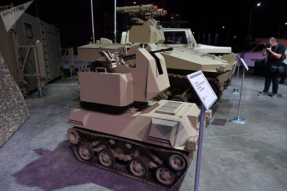 El robot de combate Nakhlebnik