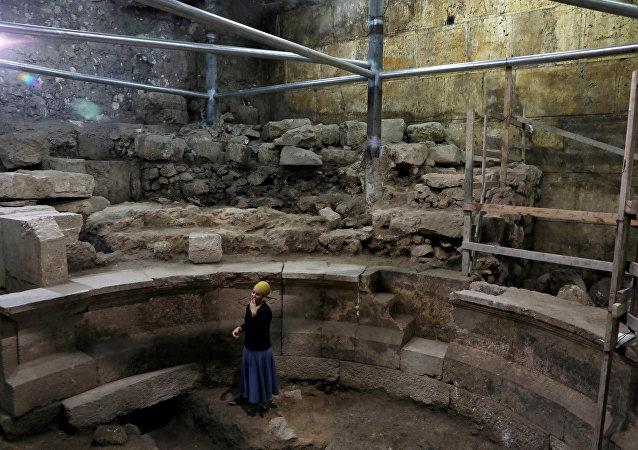 Excavaciones debajo del Muro de las Lamentaciones realizados por la arqueóloga Tehila Lieberman