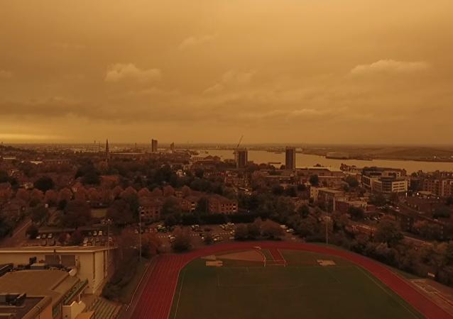 Londres se cubre de un 'cielo marciano'
