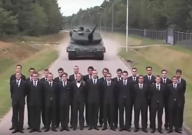 Estos ingenieros arriesgan sus vidas para probar el freno de un tanque Leopard