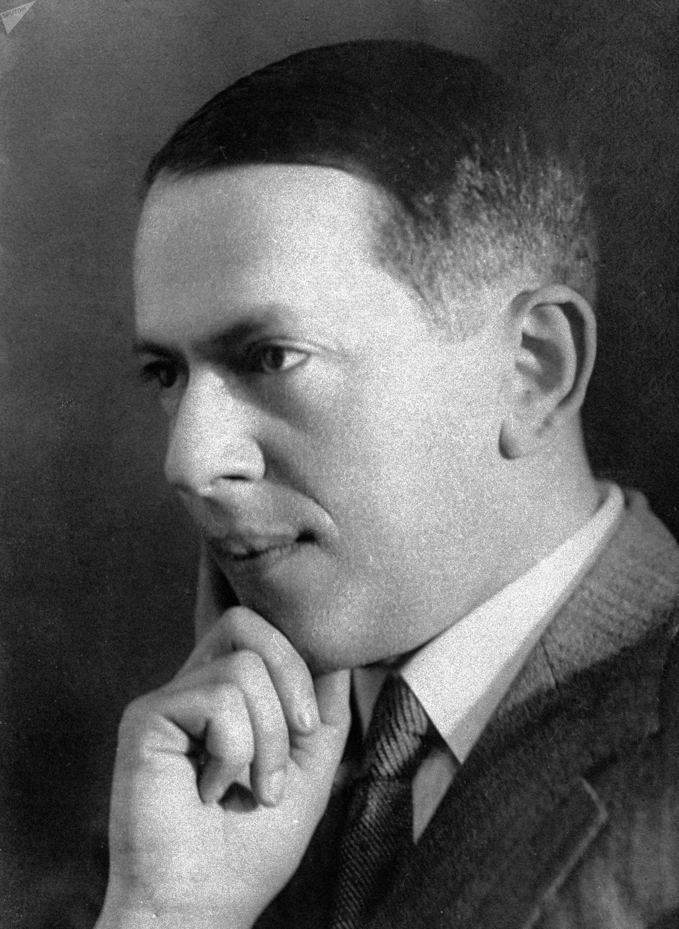 El compositor de La Fundición de Acero, Aleksandr Mosolov, en 1936