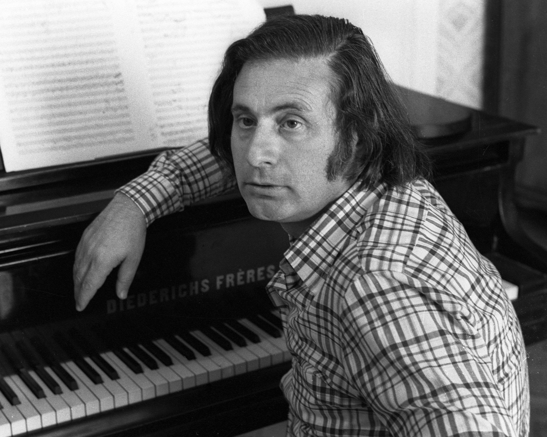 El compositor ruso Alfred Schnittke