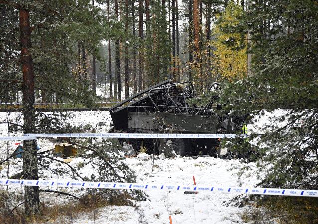 El camión militar al colisionar contra un tren de pasajeros en la ciudad finlandesa de Raseborg
