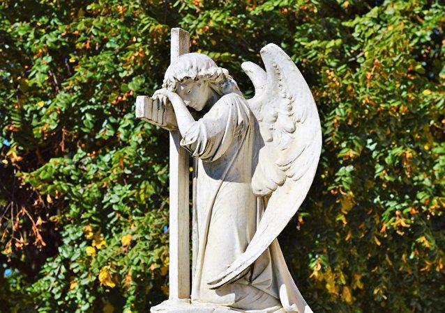 Escultura funeraria (imagen referencial)