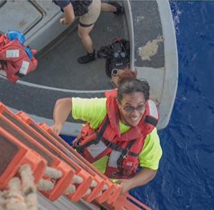 Jennifer Appel y Tasha Fuiaba, rescatada después de cinco meses a la deriva (archivo)