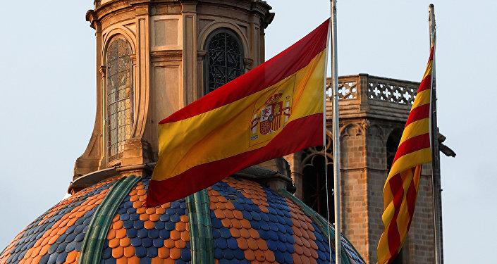 Las banderas de España y Cataluña