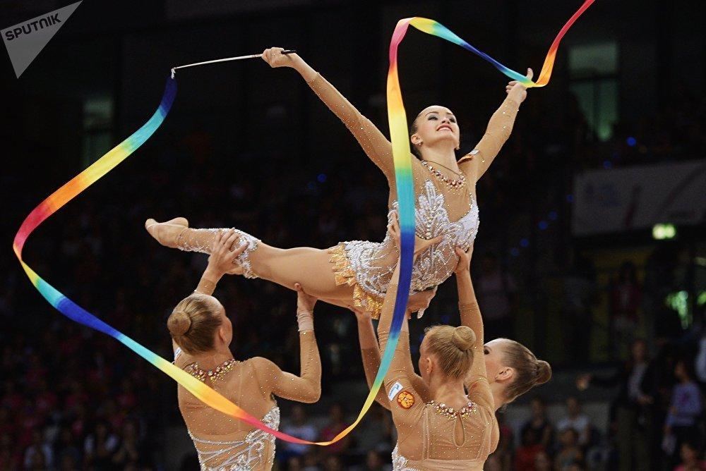 Fuerza, gracia y elasticidad: Rusia celebra el Día de la Gimnasia