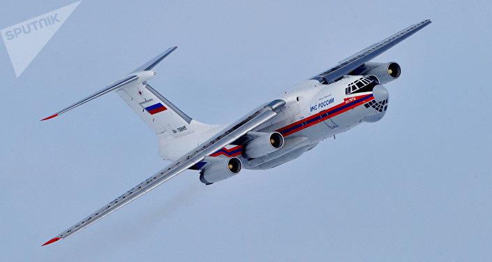 Avión Il-76 del Ministerio de Emergencias de Rusia
