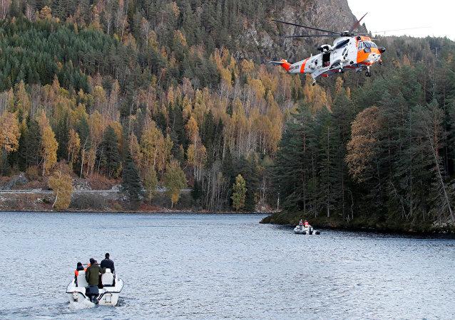 La operación de la búsqueda del helicóptero ruso