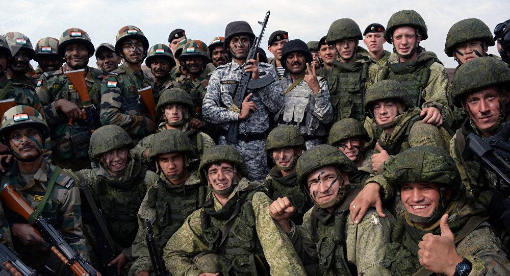 Los militares de la Flota del Pacífico y del Distrito Militar Este de Rusia y de las Fuerzas Armadas de la India