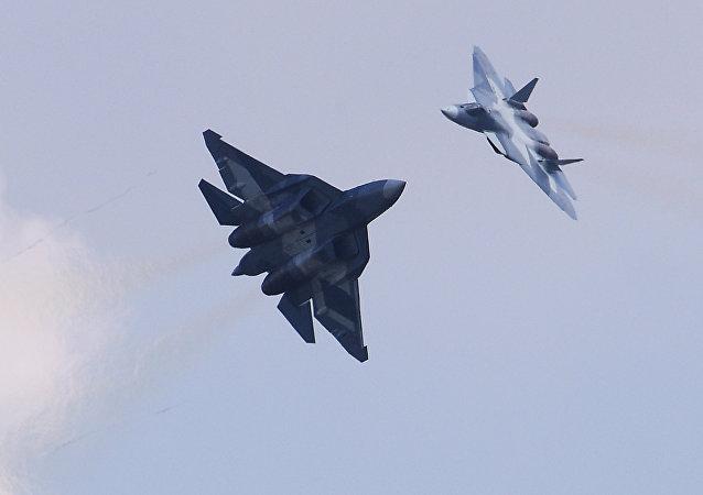 Cazas polivalentes rusos Su-57 (archivo)