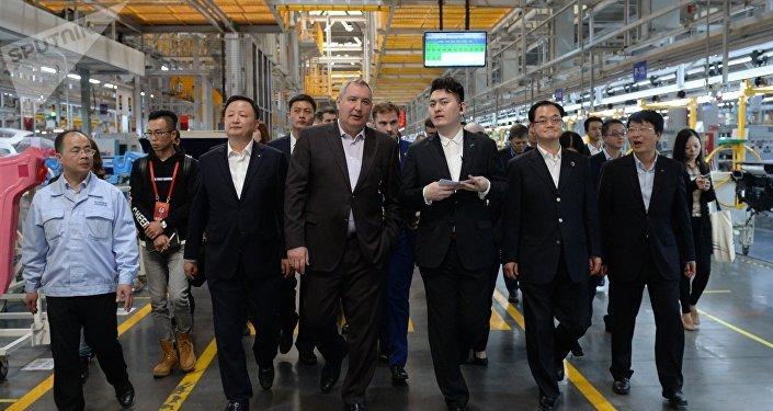 Visita oficial de vice primer ministro ruso, Dmitri Rogozin, a China