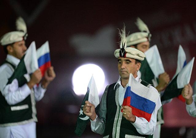 Banderas de Rusia y Pakistán