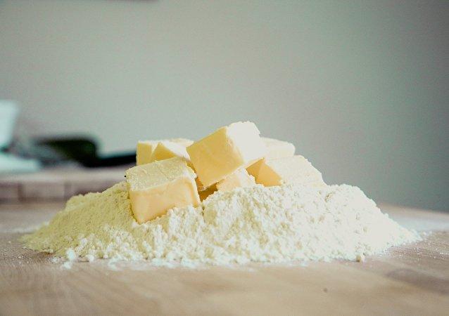 Mantequilla y harina (archivo)
