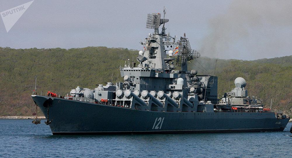 El crucero portamisiles Moskvá, el buque insignia de la Flota del Mar Negro de Rusia