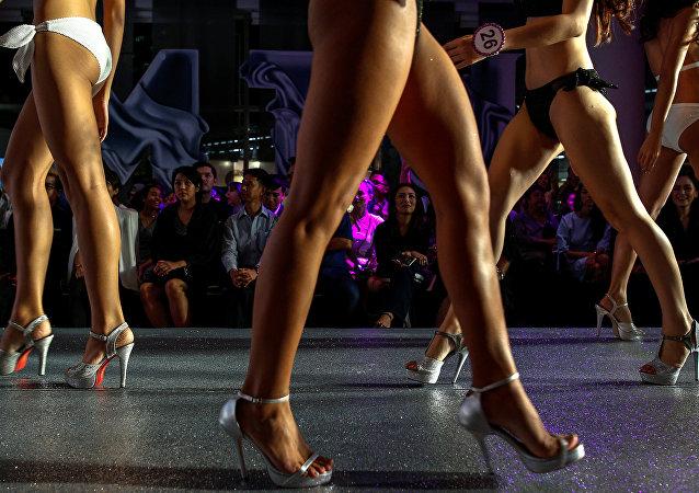 Concursantes femeninas durante un concurso (archivo)