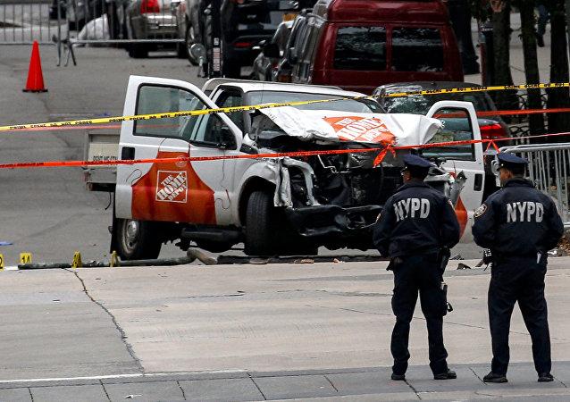 Policía en el lugar del atropello en Nueva York