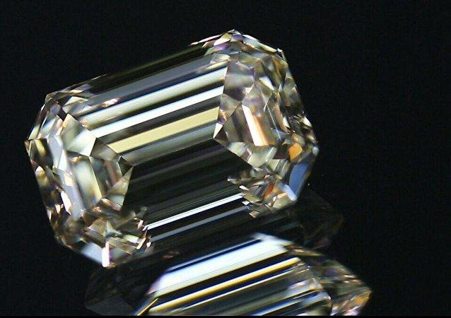 Un diamante de la fábrica de Smolensk