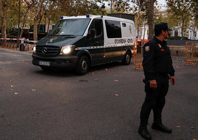 El furgón policiales que llevan a los nueve exconsejeros catalanes
