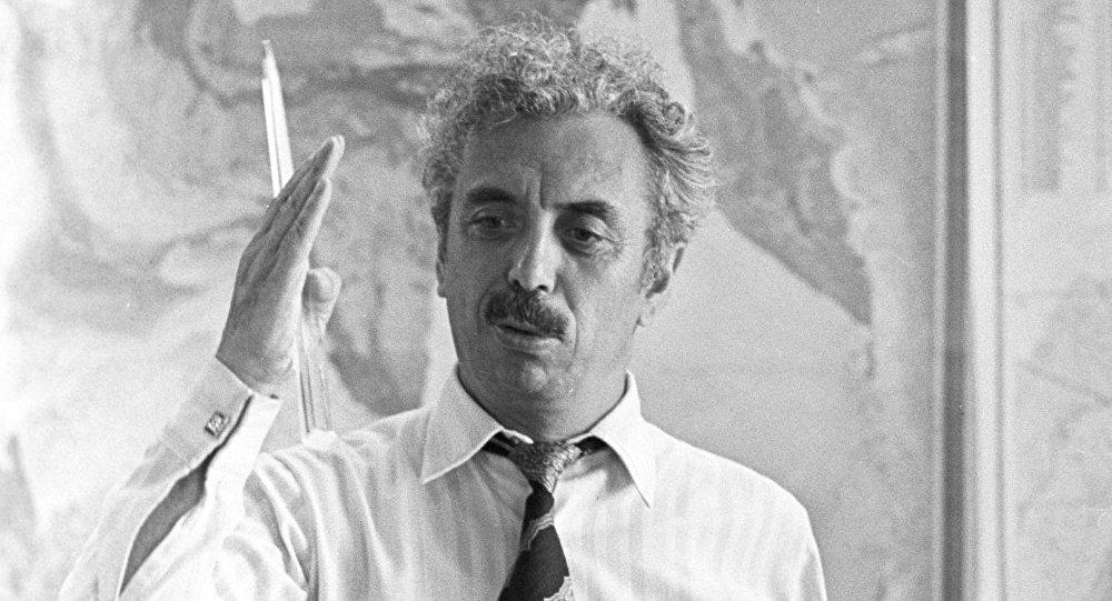 El geólogo soviético Farman Gurban oglu Salmanov