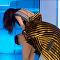 Tierra trágame: el incómodo momento de una presentadora con su ropa interior