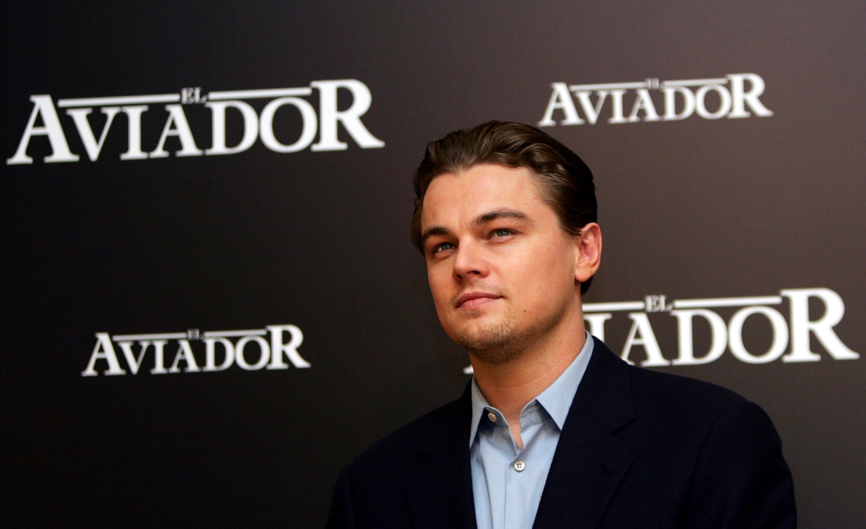 Leonardo DiCaprio posa durante una sesión de fotos para la película El Aviador el 10 de enero de 2005 en Madrid