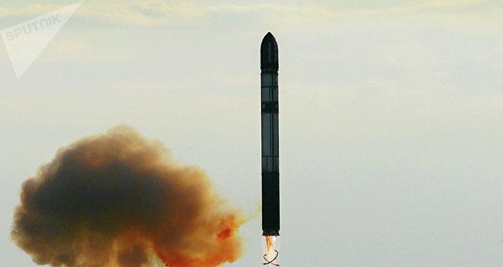 Lanzamiento de un misil balístico ruso (archivo)