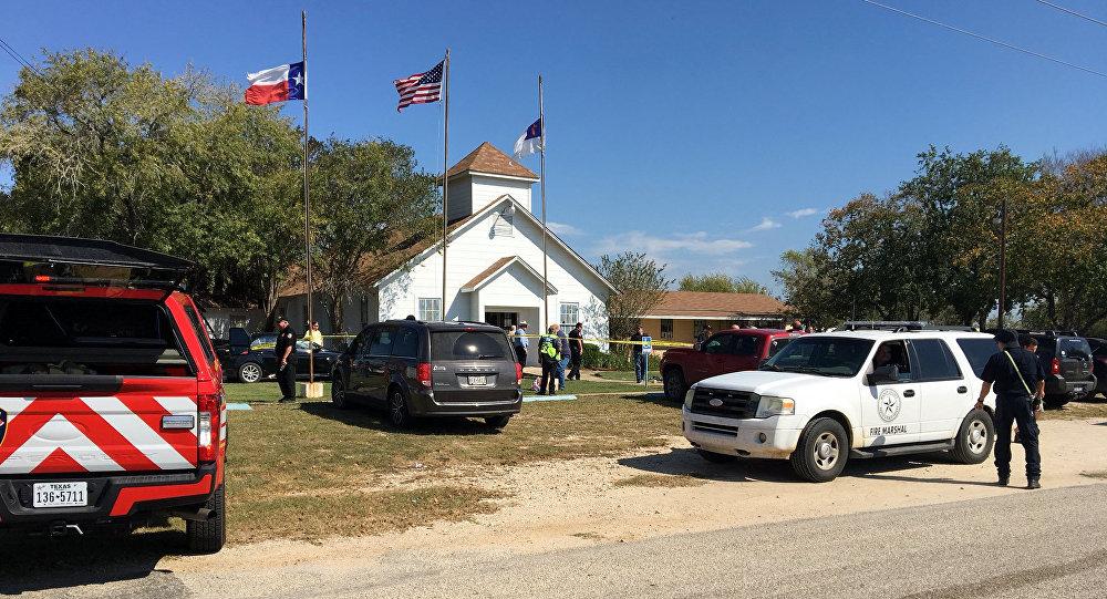 Lugar del tiroteo en Sutherland Springs, Texas, EEUU