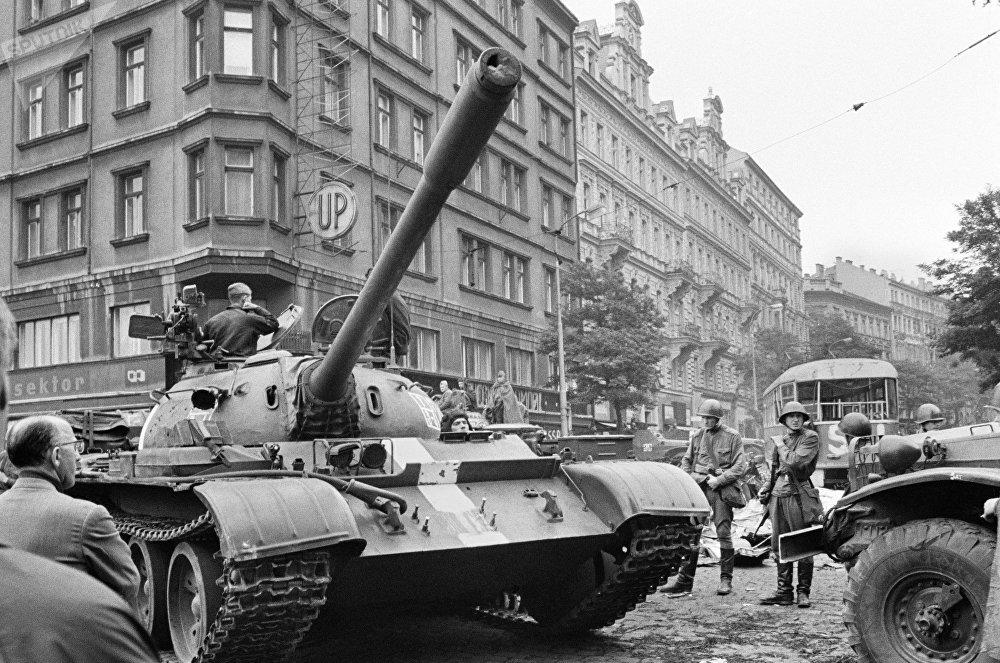 Tanques soviéticos en Praga el año 1968