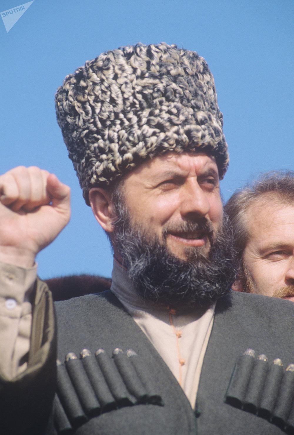 Zelimjan Yandarbiev, líder terrorista checheno