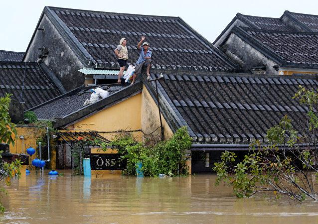 Situación en Vietnam tras el paso del tifón Damrey
