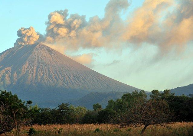 El volcán San Cristóbal en Nicaragua