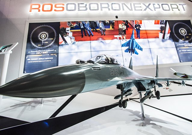 El modelo del caza ruso Su-35 en el mostrador de 'Rosoboronexport' (archivo)