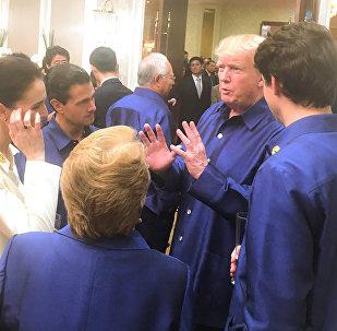 El presidente de México, Enrique Peña Nieto con su par estadounidense Donald Trump y con el primer ministro canadiense Justin Trudeau