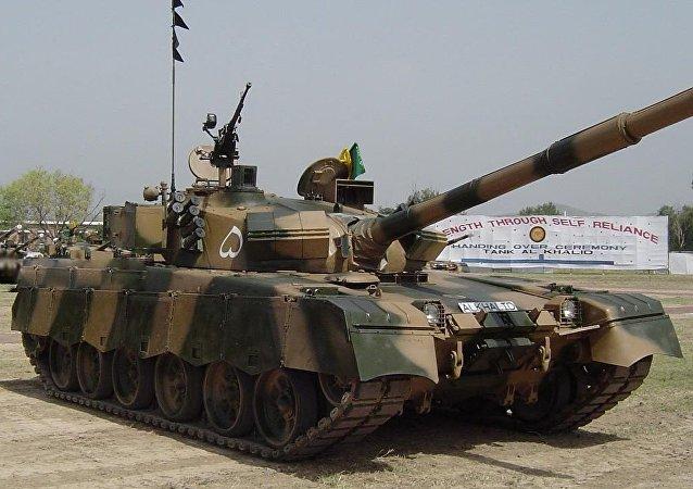 Vehículo blindado Al Jalid