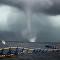 El terror de ver de cerca un impresionante 'tornado' marino