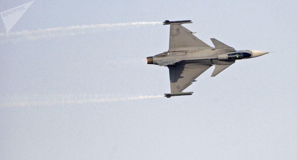 Accidentes de Aeronaves (Militares). Noticias,comentarios,fotos,videos.  - Página 22 1073926076
