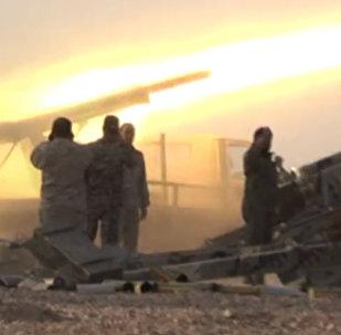 La incesante 'lluvia de fuego' del Ejército sirio en la batalla por Abu Kamal